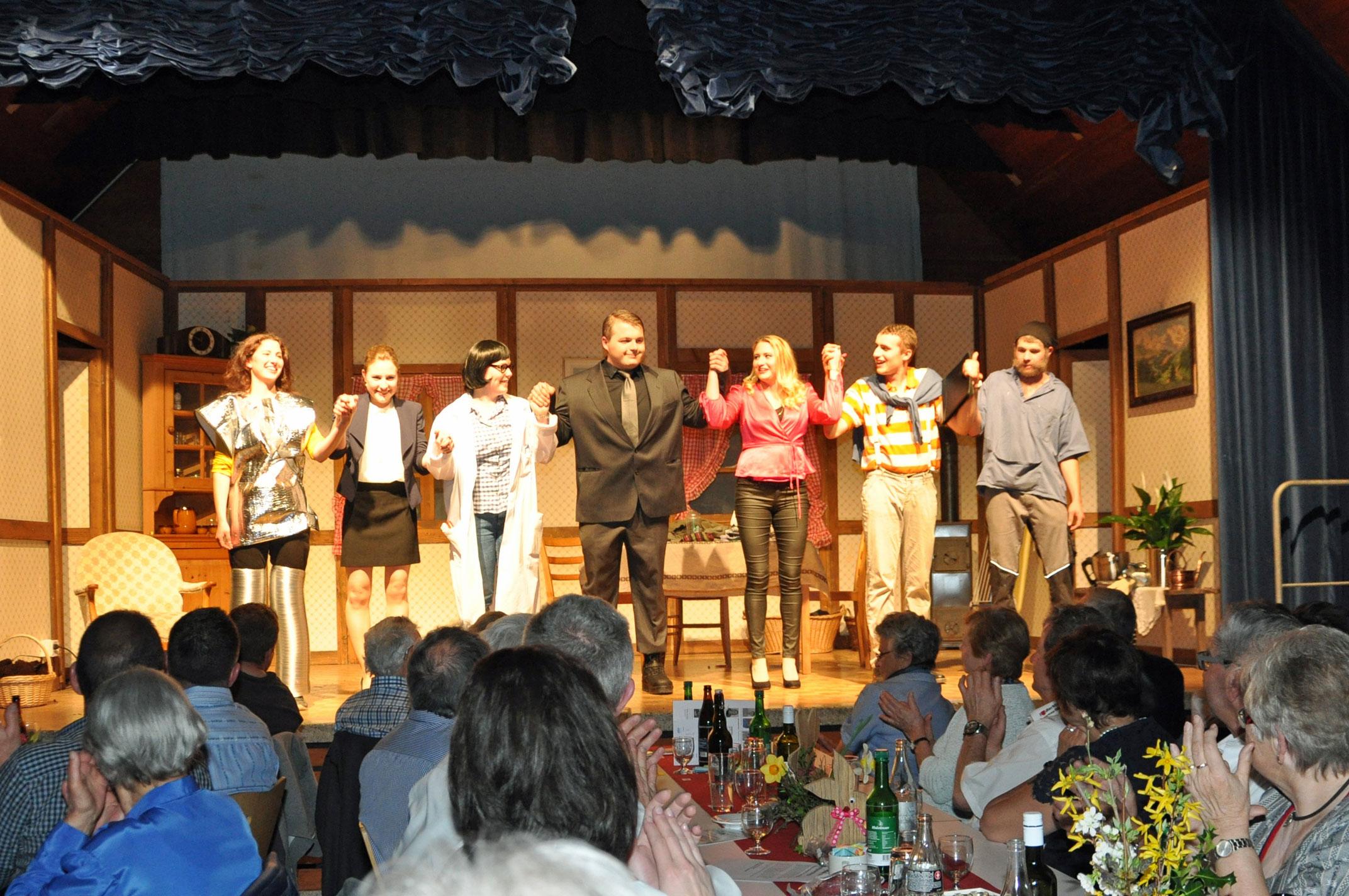 Theatergruppe-Hirzel